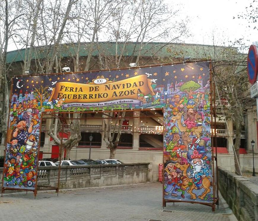 Entrada a la Feria de Navidad en la Plaza de Toros de Pamplona